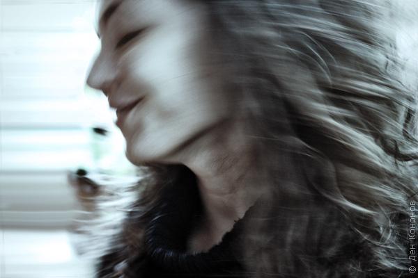Вот тут на днях случайно красивую девушку размазал…